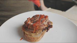 イタリアのパチパチステーキ/ 9を焼く意味のあるタイプの豚のポルケッタの練習対策