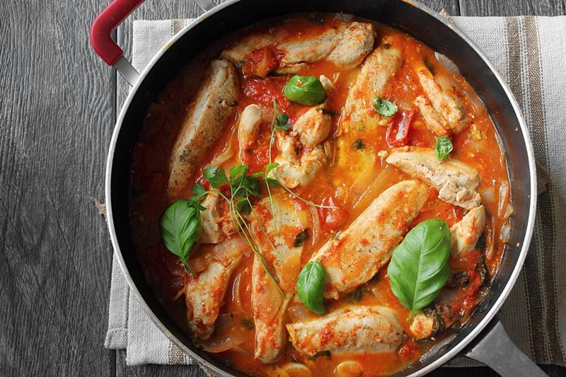 シチューしたトマトバジル鶏胸肉のピャオのヘルシー・3食の実践